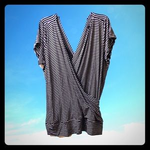 🕶 Torrid faux wrap draped striped blouse Sz 3